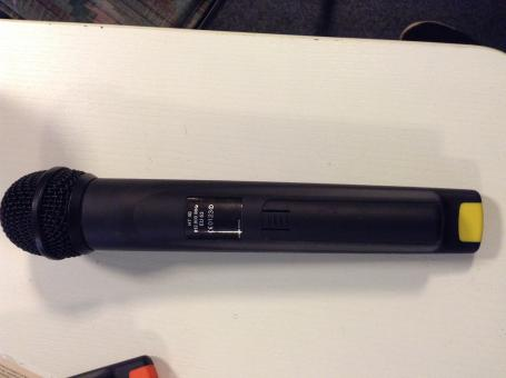 AKG Funkmikrofon - HT40 - EU63, gebraucht